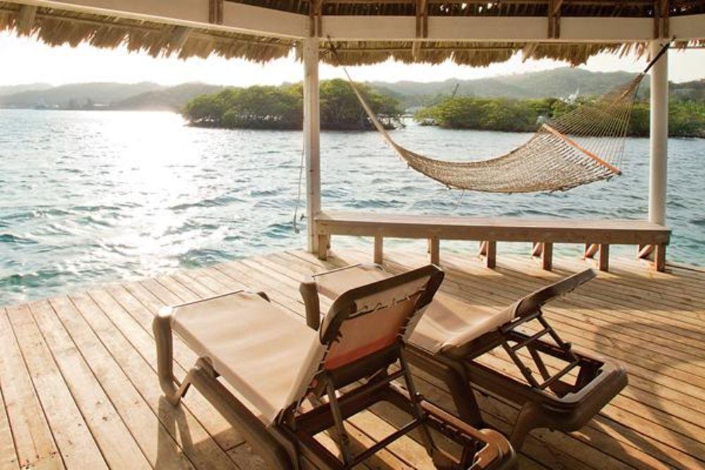 Best Caribbean Islands to Live On | Move to an Island | Roatan, Honduras