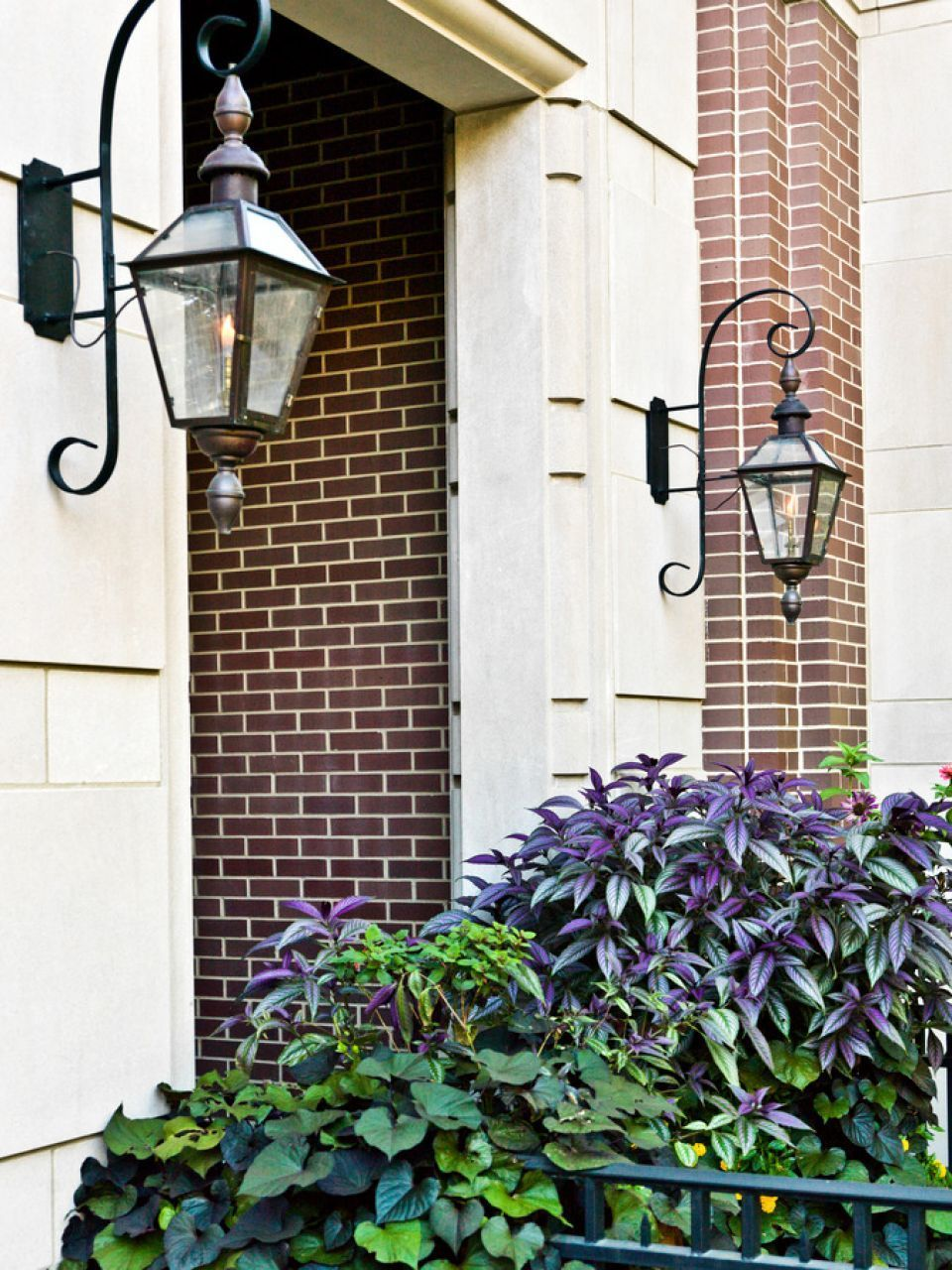 Bevolon French Quarter With Rodin Bracket And Top And Bottom