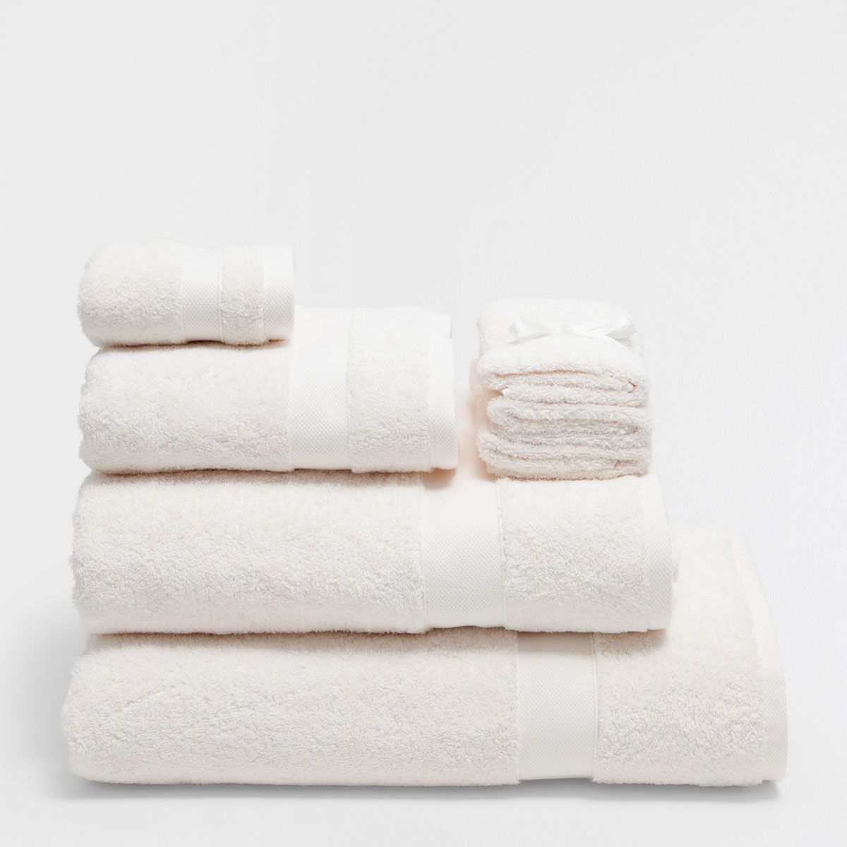 Image 1 Of The Product Premium Quality Towel Towel Zara Home