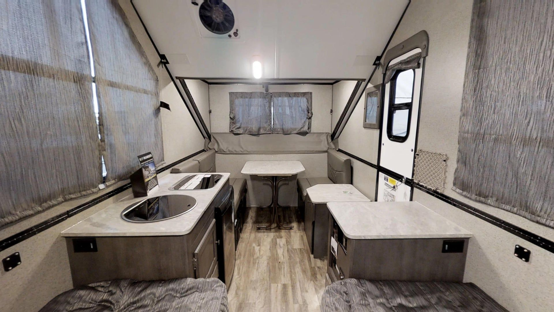 King sized bed option! Popup camper, Rv manufacturers