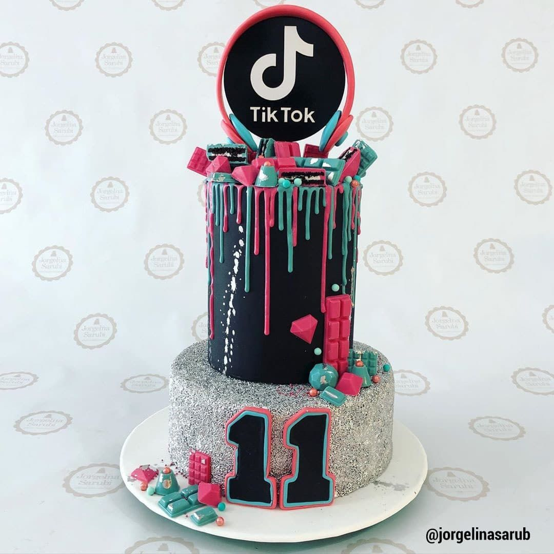 13 Cute Tik Tok Cake Ideas Some Are Absolutely Beautiful 14th Birthday Cakes Cool Birthday Cakes 13th Birthday Cake For Girls