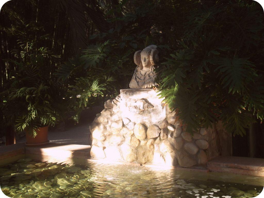 Dama de Elche in El Palmeral, Elche