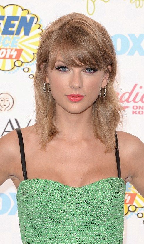 Taylor Swift Medium Length Hairstyle Taylor Swift Hair Taylor Swift Bob Taylor Swift 2014