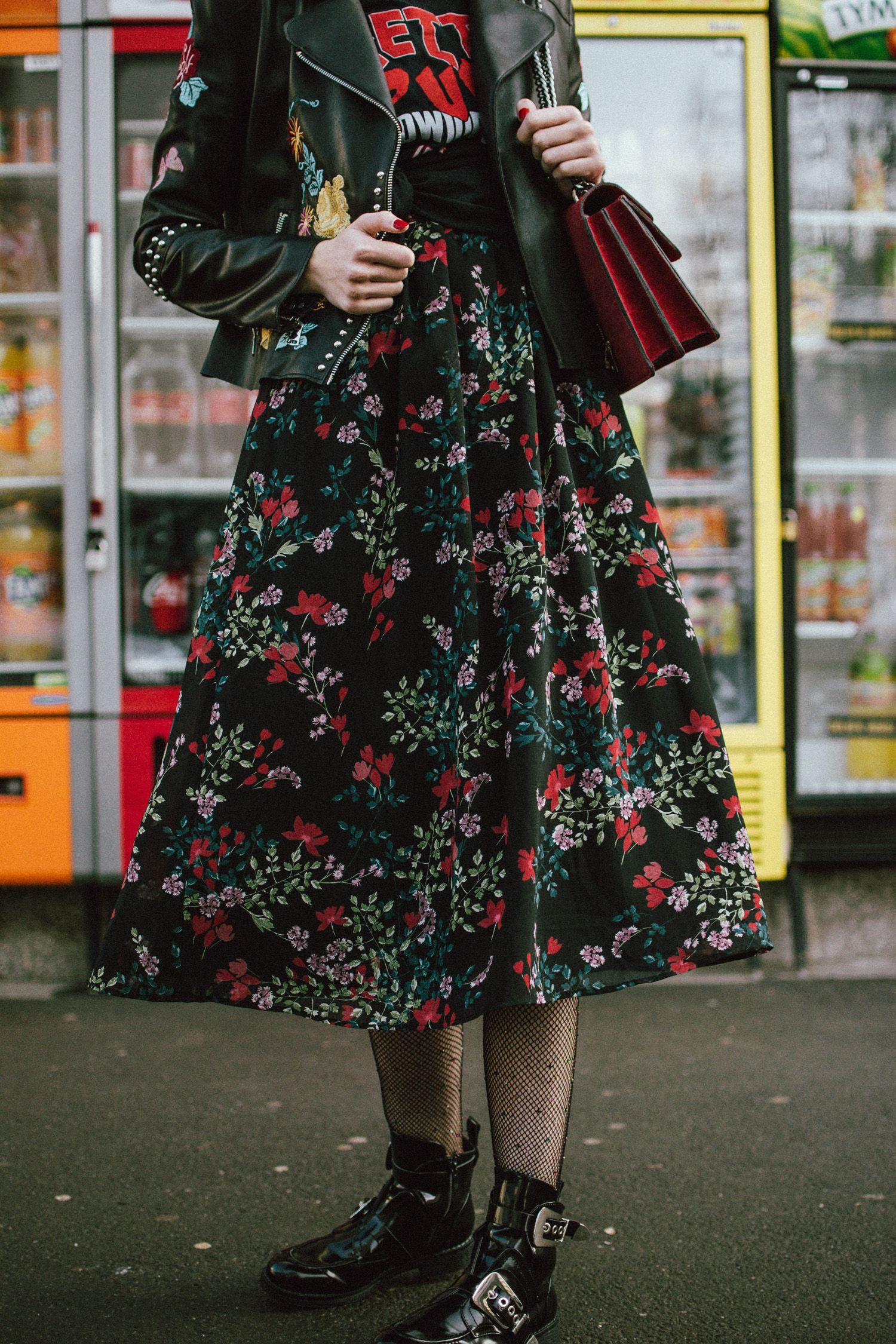 b2e36d368f5 How to mix floral prints  biker jacket and midi dress