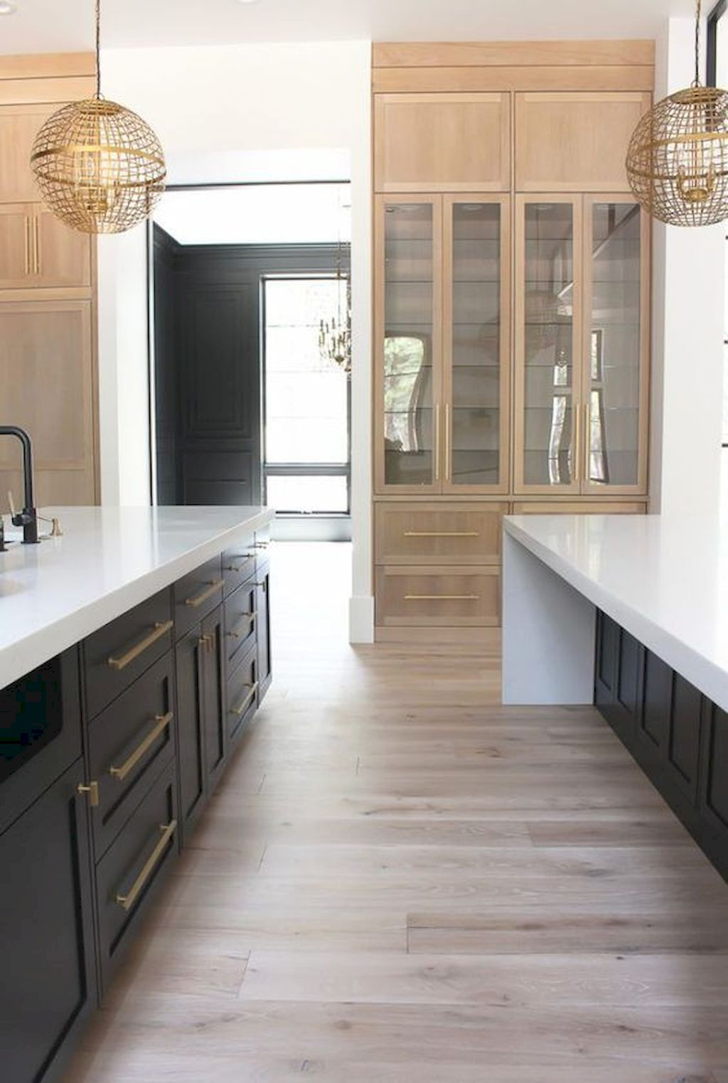 80 Awesome Modern Farmhouse Kitchen Cabinets And Backsplash Ideas Modern Kitchen Design Modern Kitchen White Oak Kitchen
