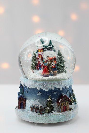 Boule de neige musicale Chorale de Noël   Christmas choir musical