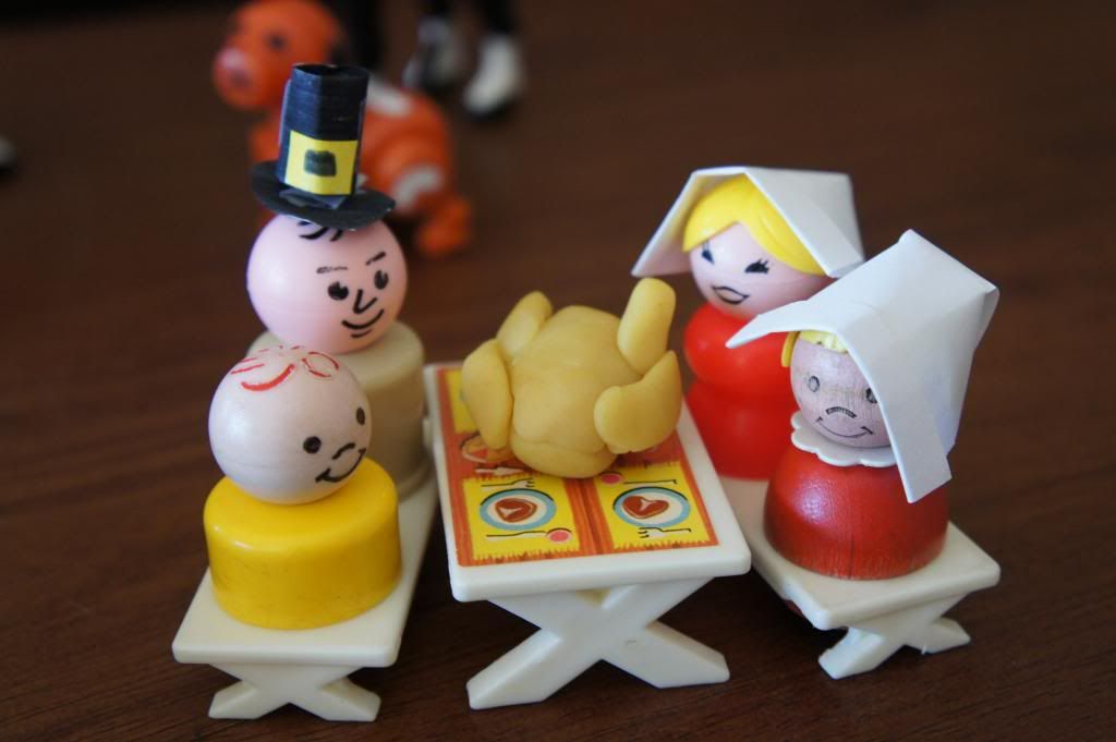 Happy Thanksgiving Little People Pilgrims and one Indian sharing a ...