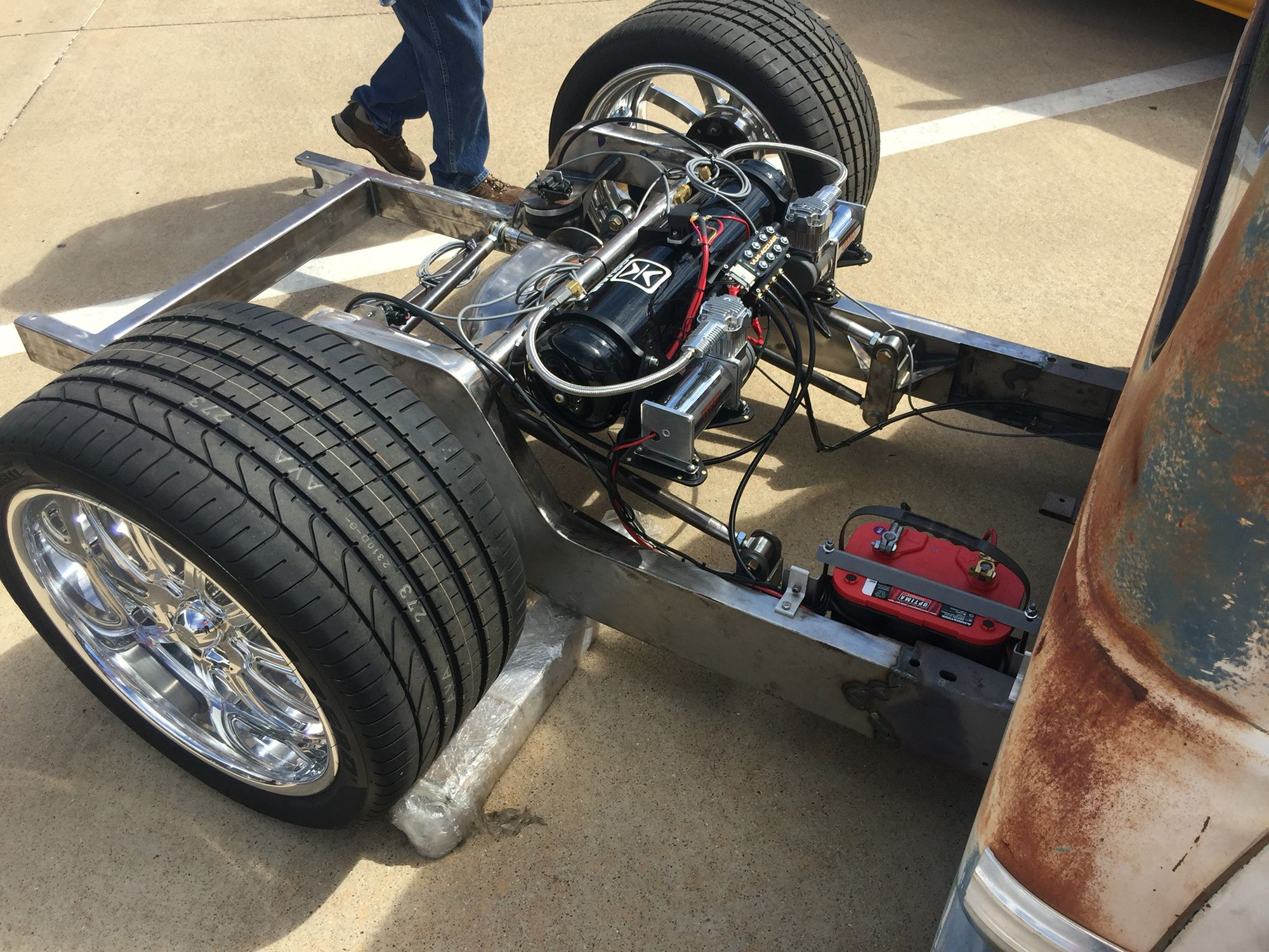 hight resolution of exposed rear 4 link c10