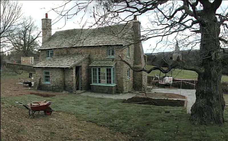 How They Built Rosehill Cottage For The Holiday Hooked On Houses Stone Cottages Cottage Exterior Holiday Cottage