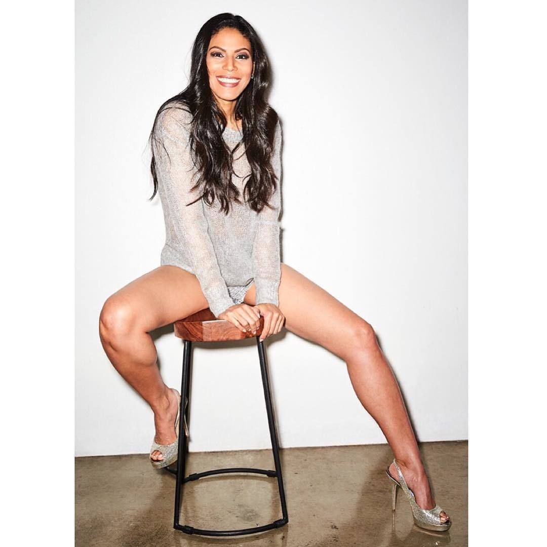 Share, rate and discuss pictures of Merle Dandridge's feet on wikiFeet -  the most comprehensive celebrity feet database to ever have existed.