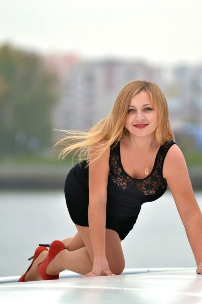 Snezhana 29 years old Ukraine Khmelnitsky, Russian bride profile, russian- brides.dating