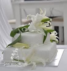 wedding cake with white lilies - Google Search