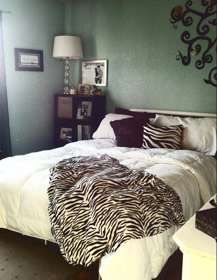 zebra accents :)