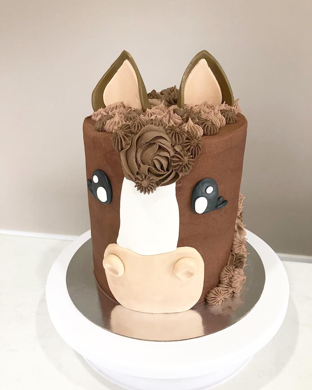 Gateau Tete De Cheval A Little Brown Pony For A Horse Loving Little Lady Chocolatecake