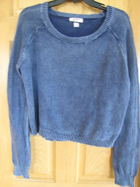 ARIZONA Jr. Girls Scoop Neck Pullover Top Navy Size Large Ret $34 NWT.  Destine to become any girl's favorite top.
