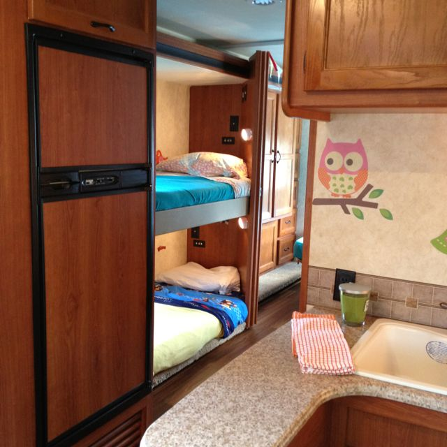 Spruce Up The Vacation Rv Cute Bed Linens And Fun Accents Make It