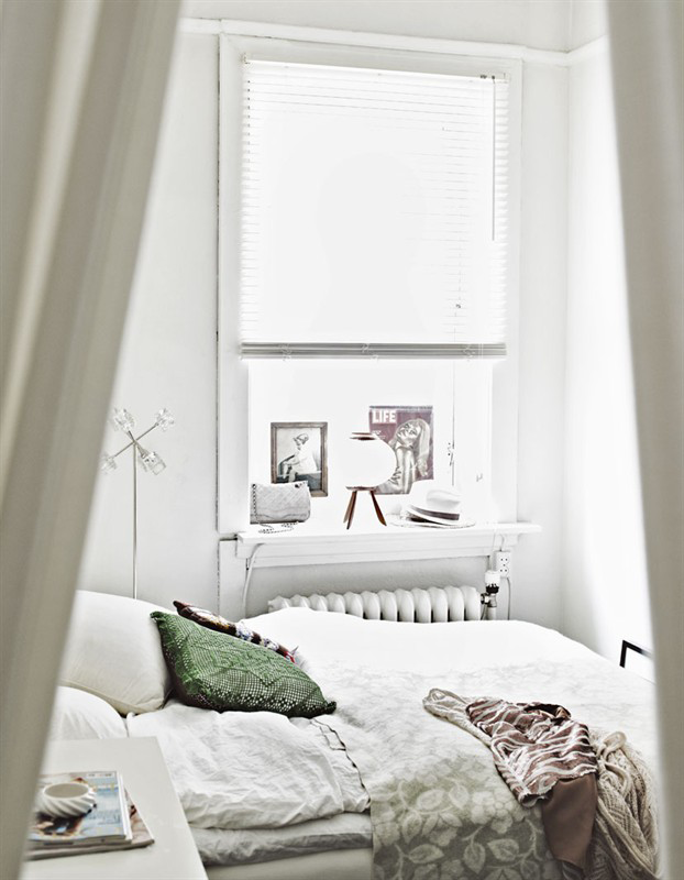 Very Tiny Bedroom Ideas tiny white bedroom. (my bed-nook / dining room / reading nook