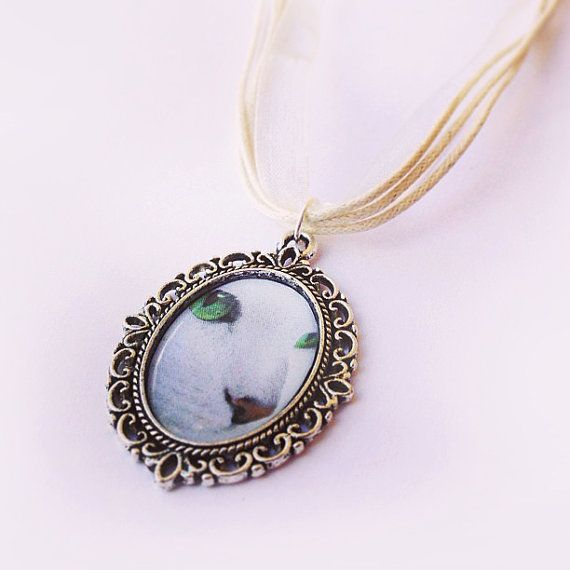 White Cat Cameo Necklace Cat Lovers Gifts by ThreeLittleCatsShop, €8.50
