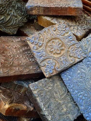 Fabric Block printing - A DIY guide - Sew Guide #fabricstamping