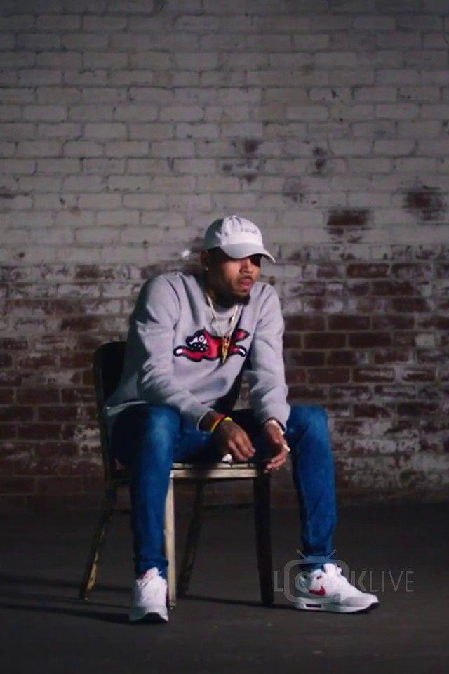 Chris Brown wearing KNYEW Faded Strapback, Billionaire Boys