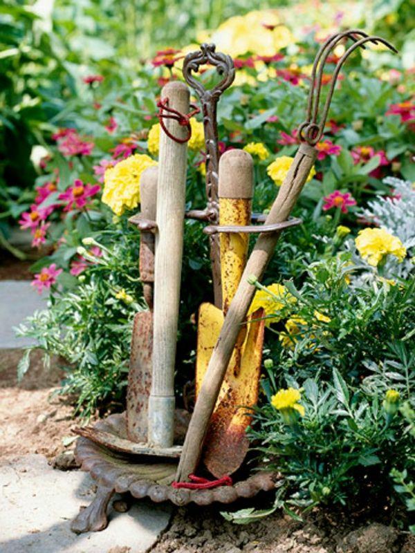 Gartengestaltung: Leichte Und Märchenhafte Deko Ideen Im Garten   Garten  Idee Deko Alt Schirmständer