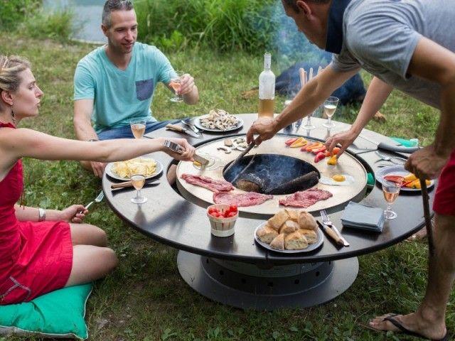 Barbecue, plancha : 14 idées pour un repas convivial au jardin | Fosses incendie de jardin ...