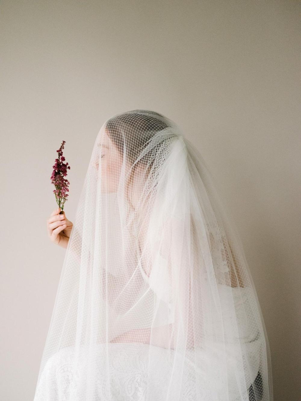 Modern Netting Tulle Bridal Veil Ivory Tulle Blusher Wedding Etsy Tulle Bridal Veil Veil Styles Tulle Blusher