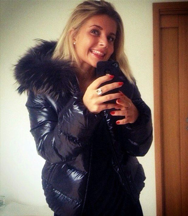 more photos 72fe8 a139f Blonde Babe In Duvetica | Puffer coat in 2019 | Winterjacken ...