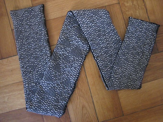 "KnitYak: Custom mathematical knit scarves by Fabienne ""fbz"" Serriere — Kickstarter"