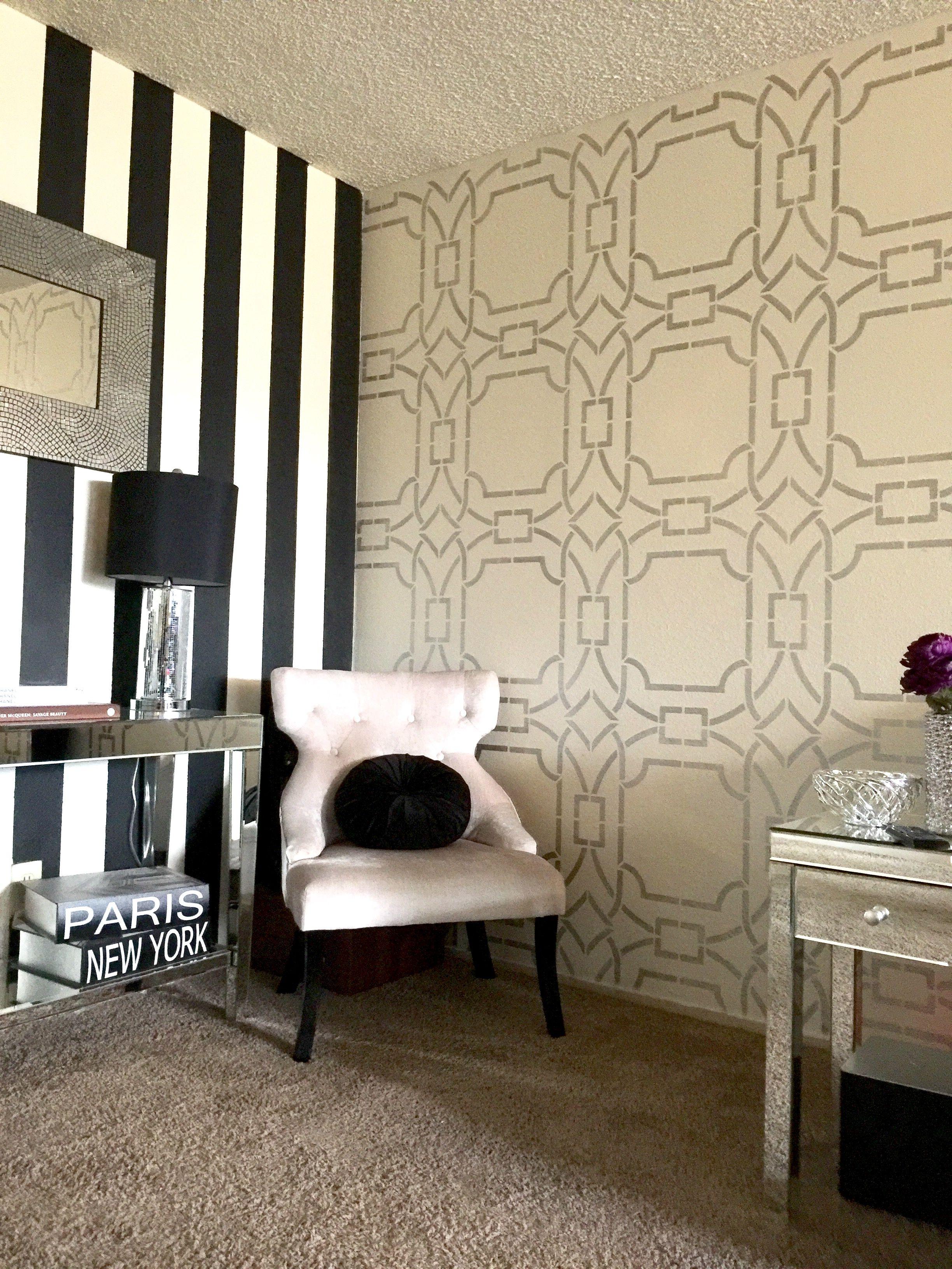 Contempo Trellis Wall Stencil   Graphic wallpaper, Wall stenciling ...