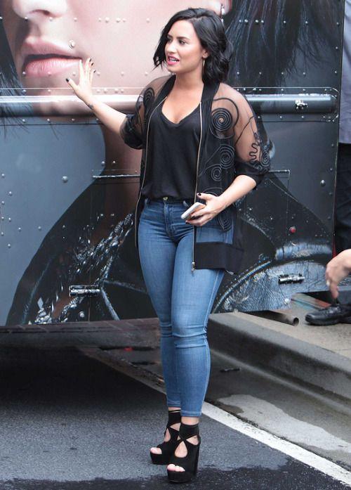 Demi Lovato | women style | Pinterest