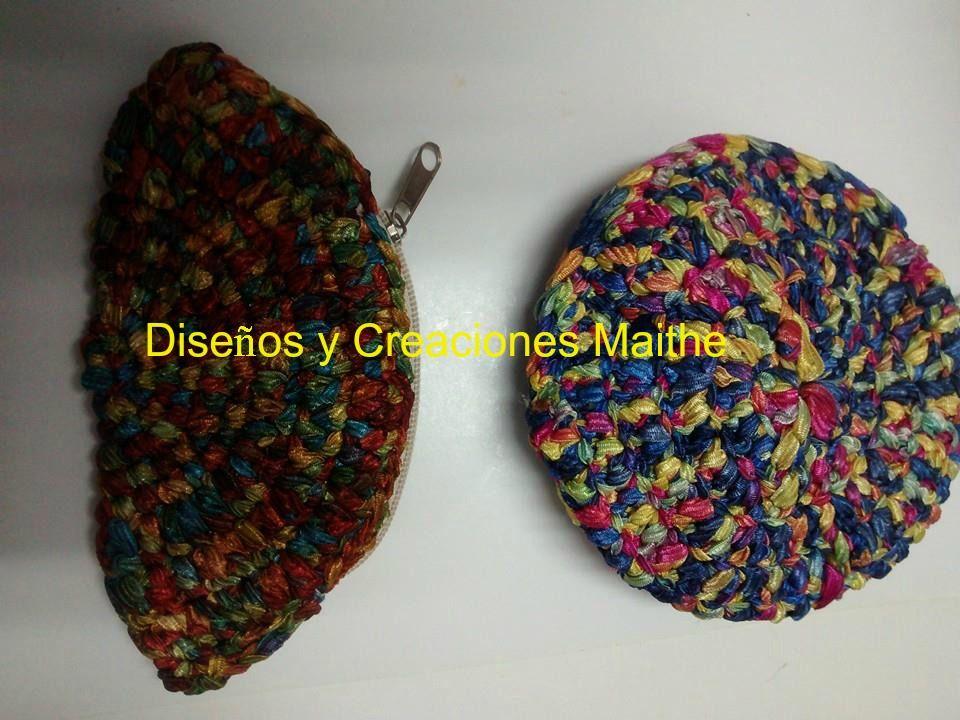 Monederos tejidos en cinta degradé técnica crochet trapillo