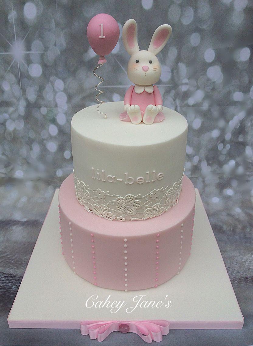 Vanilla & Strawberry perfectly pink birthday cake for Lila