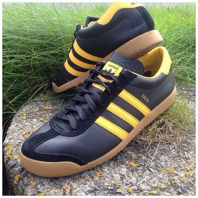 new product 87b05 94251 adidas Originals Oslo Jeans And Sneakers, Jeans And Boots, Adidas Sport,  Walking Shoes