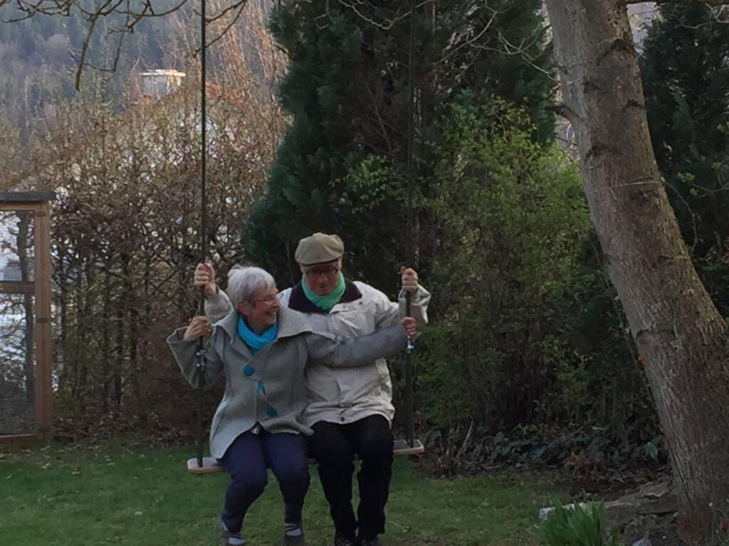 Pin By Ellen Bankhead On Swinging Styles Outdoor Trees Wood Swing