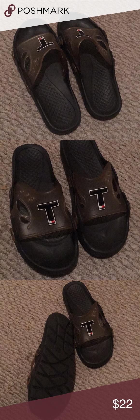313e02000 Tommy Hilfiger men s slides Tommy Hilfiger men s slides sandals worn few  times size 10 Tommy Hilfiger Shoes Sandals   Flip-Flops