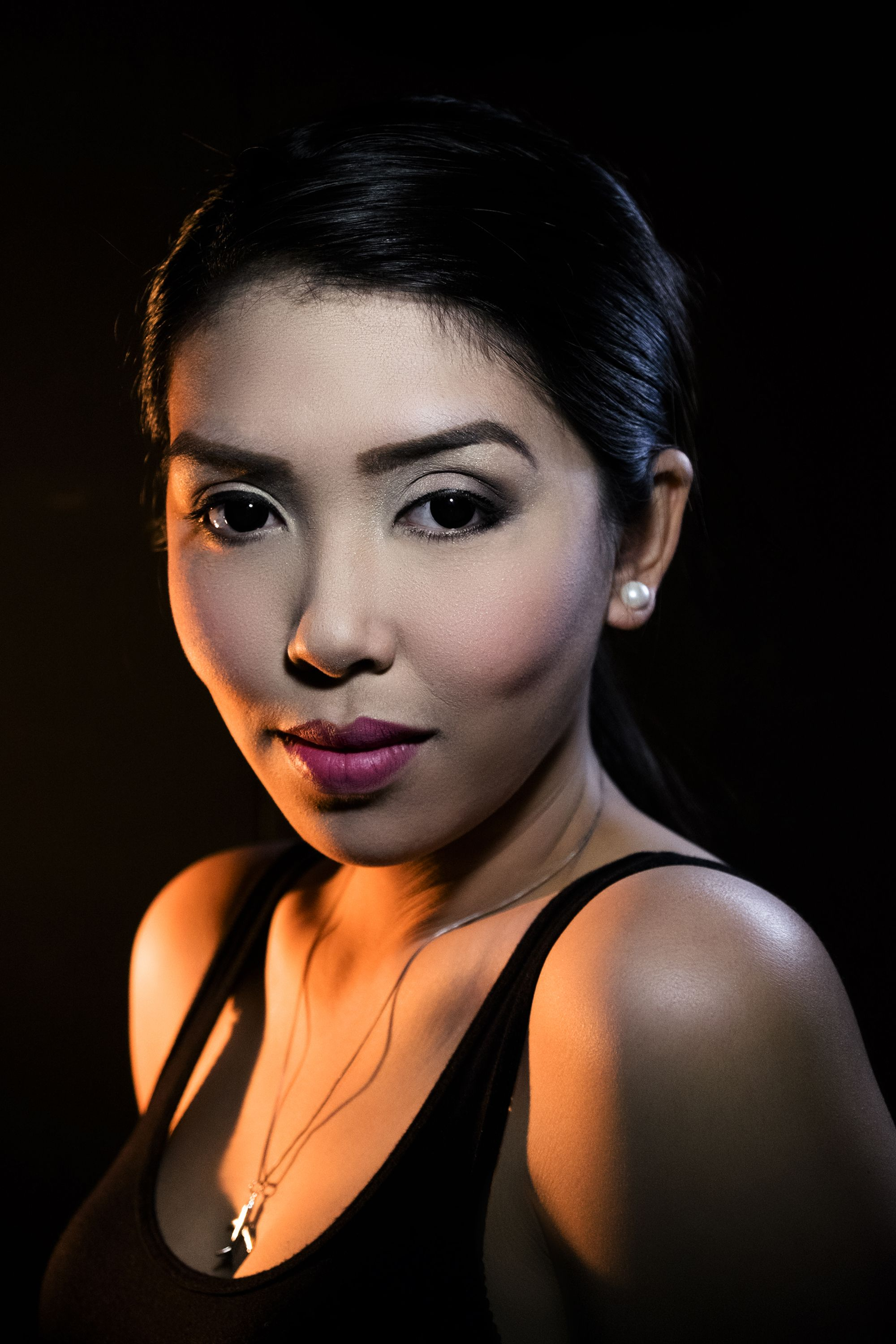 How To: Dramatic Portrait Lighting Using Nothing But Lamps ...