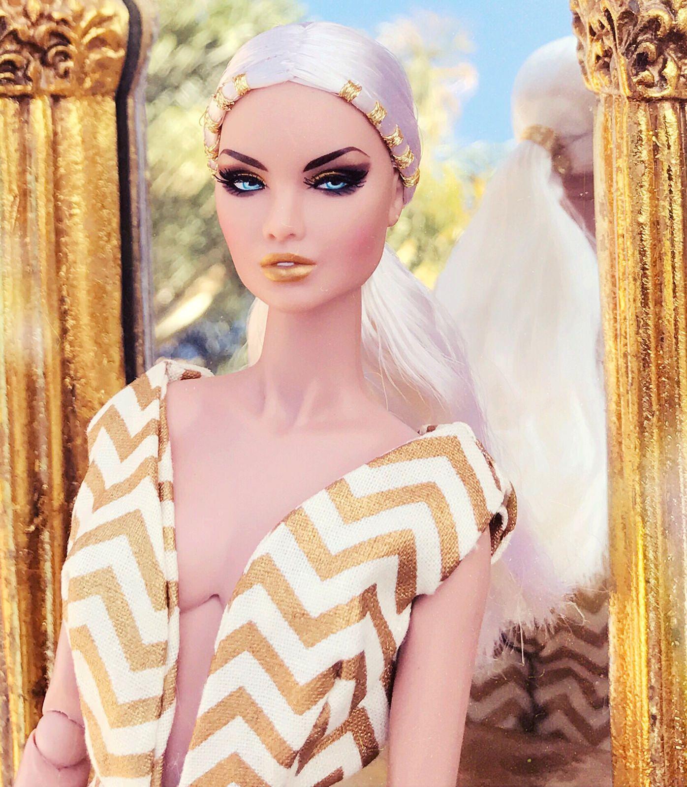 Golden | Barbie, Sirenitas y Muñecas