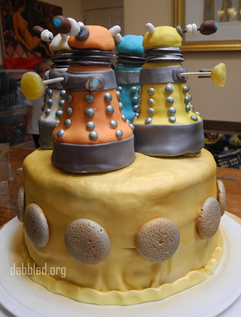 Dabbled Tutorial How To Make The Doctor Who Dalek Cake Doctor