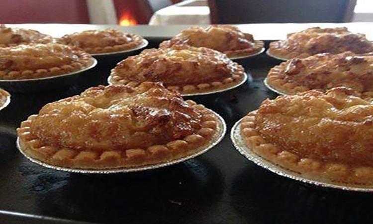 La tartelette du BONHEUR!  Sirop érable et noix de Grenobles... version MINI!