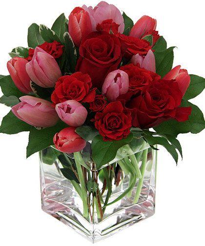 Rosy Embrace Valentines Flowers Valentine Flower Arrangements Red Flower Arrangements