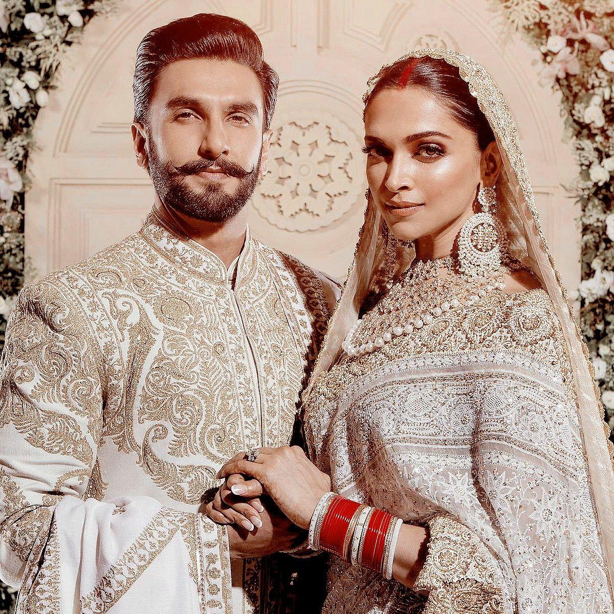 Deepika And Ranveer Bollywood Wedding Deepika Ranveer Wedding Outfit