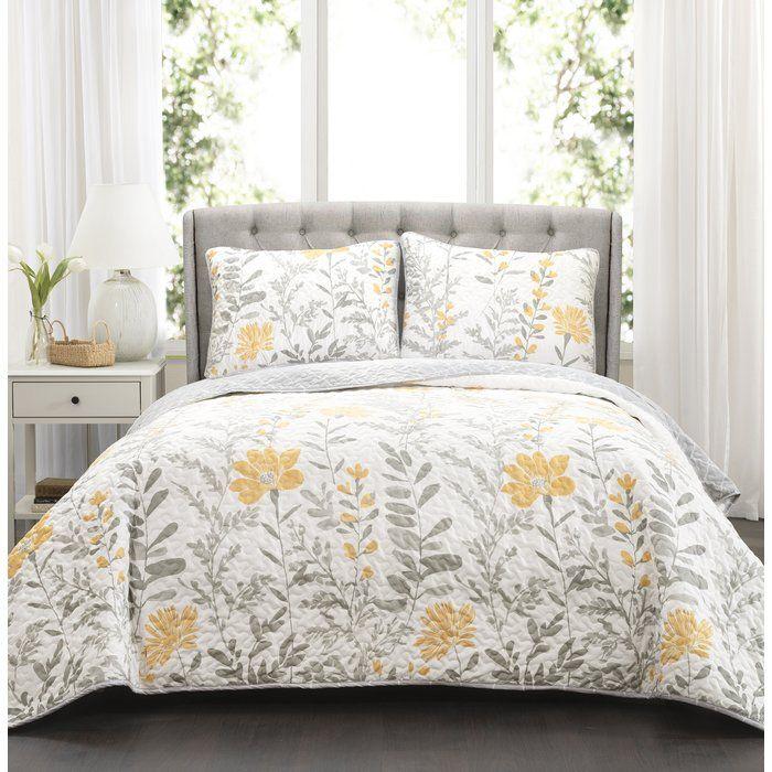 Hilliard Reversible Quilt Set Quilt Sets Bedding Sets King