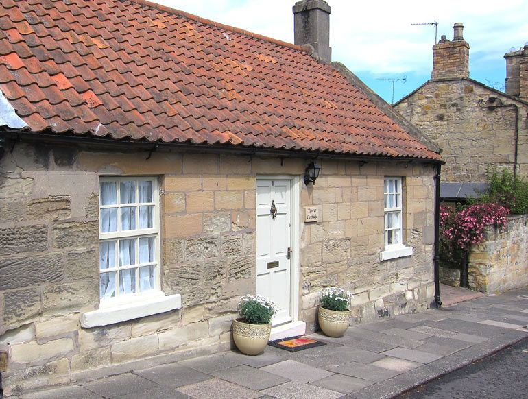 Tower Cottage Holiday Cottage with a view of Warkworth
