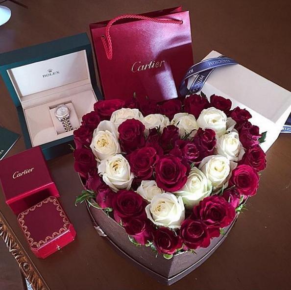 Магазин, дорогие цветы в подарок девушке фото