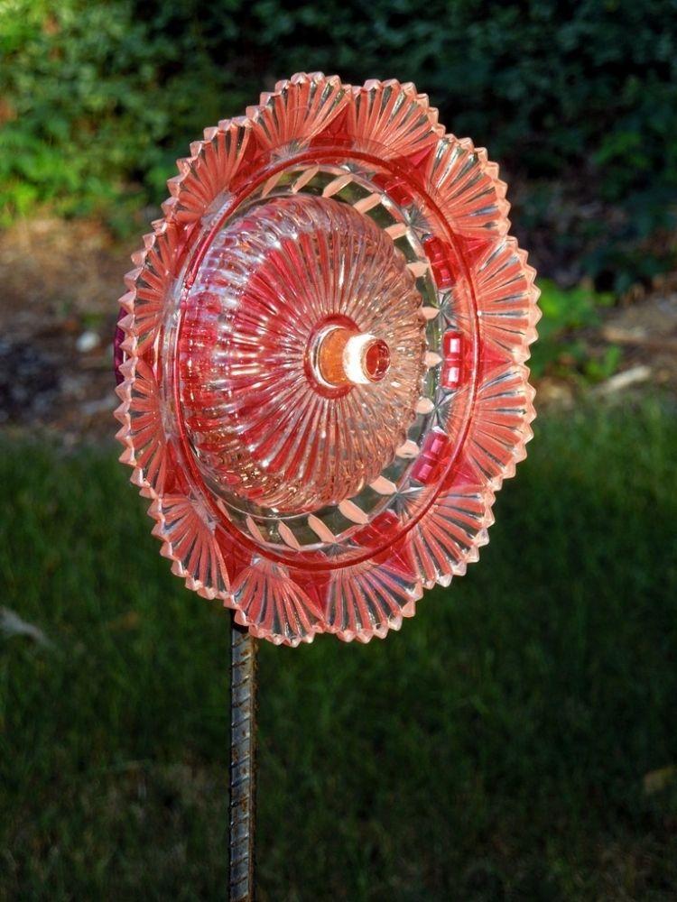 schöne Glas-Blume als Gartenstecker balkon Pinterest - ausgefallene gartendeko kaufen