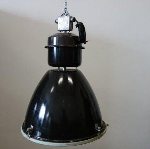 Fabriekslamp met glasplaat