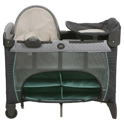 Graco Pack N Play Playard Newborn Napper Dlx Manor