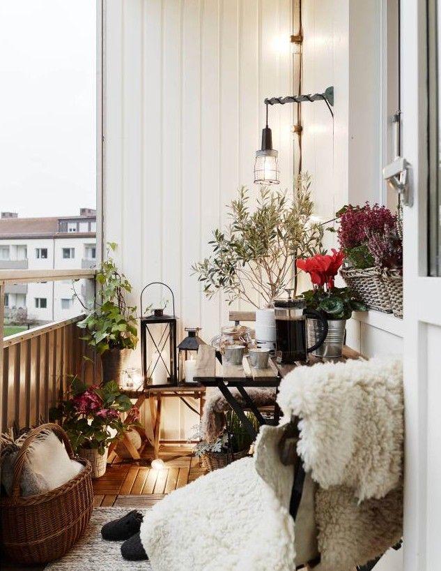 Der balkon unser kleines wohnzimmer im sommer einrichtung pinterest balkon balkon ideen - Romantisches wohnzimmer ...