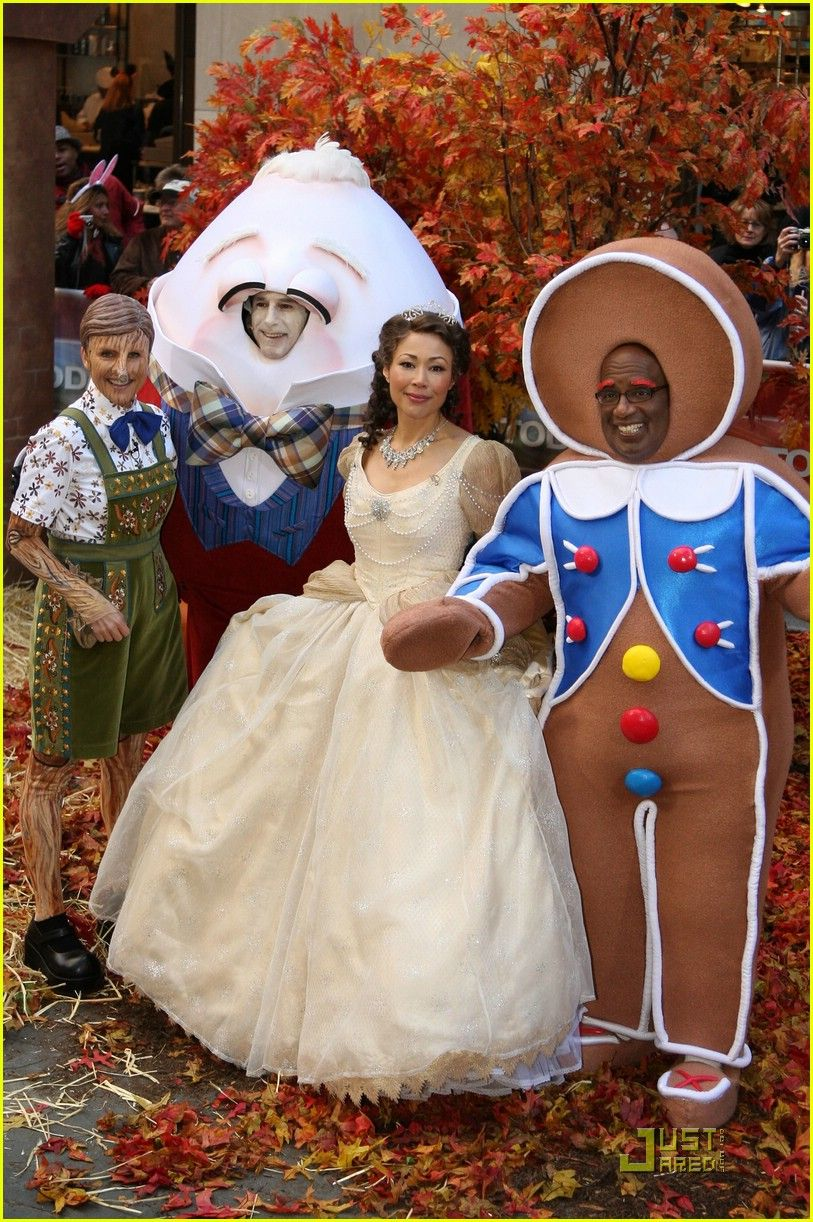 Al Roker Halloween Costume 2020 Gingerbread Man Al Roker Gets Sniffed Out in 2020   Today show